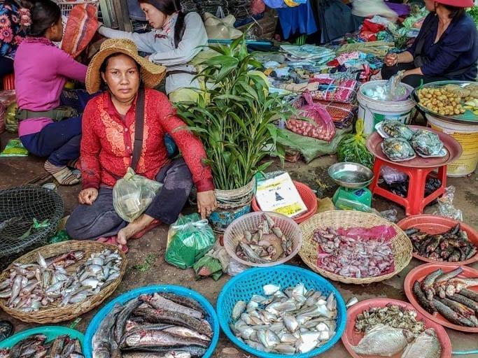 shop local: Old Market, Siem Reap