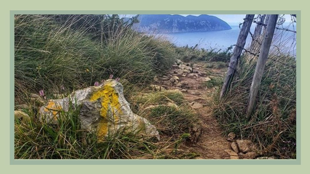 An Arrow Painted on rock on the Camino del Norte